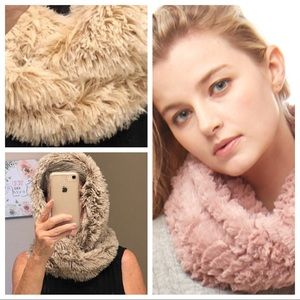 Infinity scarves | faux fur | cream | natural NWT